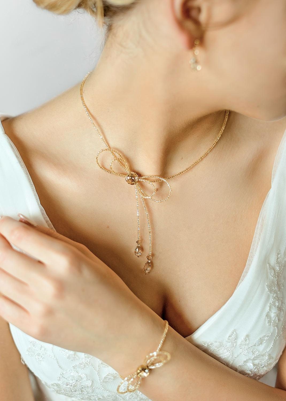 Alice honey bridal necklace