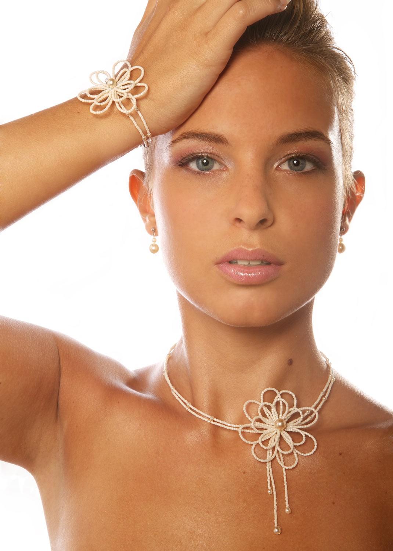 Bridal necklace Camélia