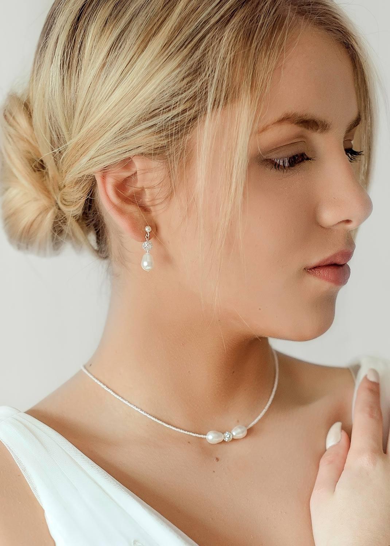 Anna ivory wedding necklace